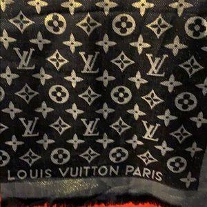 Authentic Louis Vuitton unisex metallic pachmina